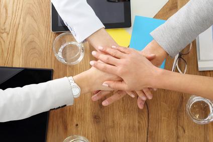 Eine Inkasso Firma bietet Inkasso Hilfe für Kunden. Gemeinsam stark sein.